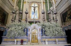 Addobbi fiori altare
